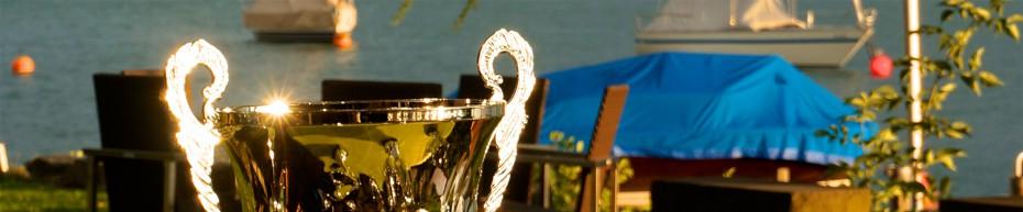 Pokal des insign Cups im Sonnenlicht