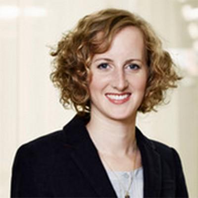 Natalie Cartier regattiert am insign Cup 2015 für BlueCare
